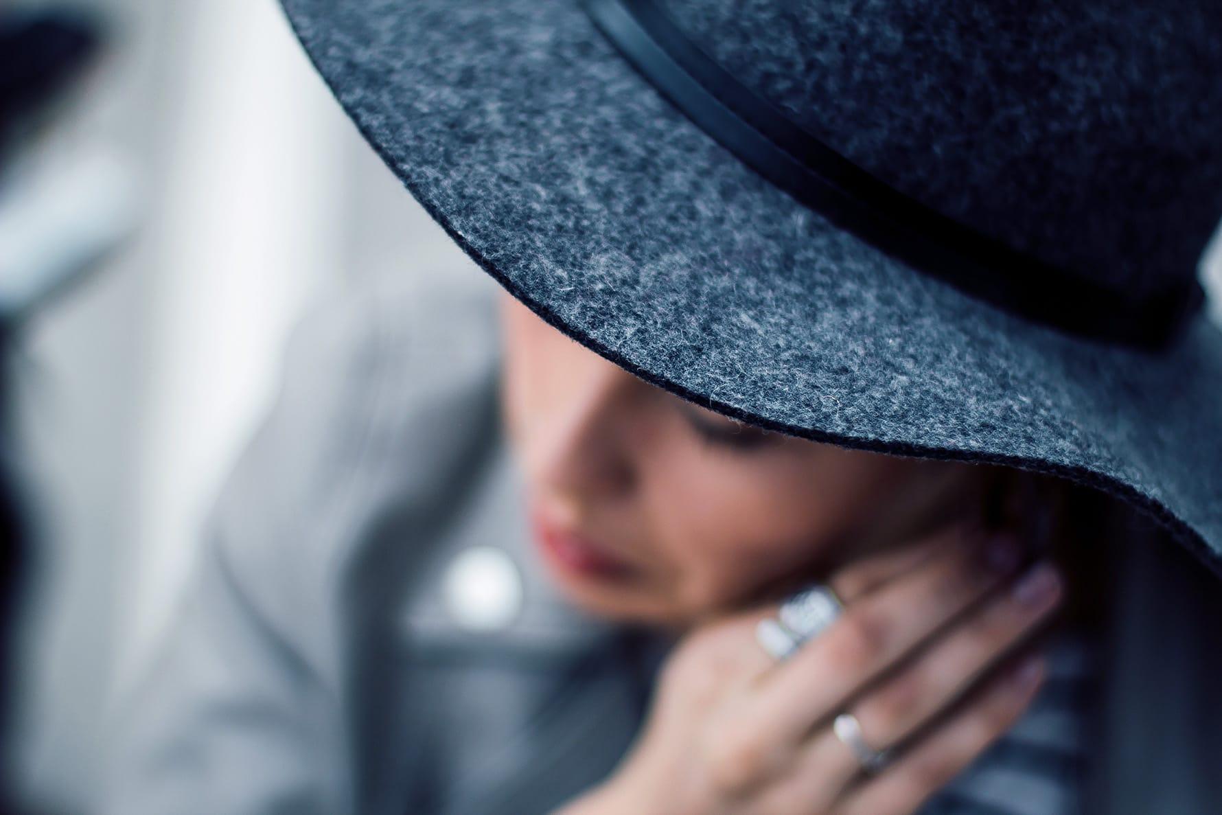 skrivnosten očarljiv klobuk