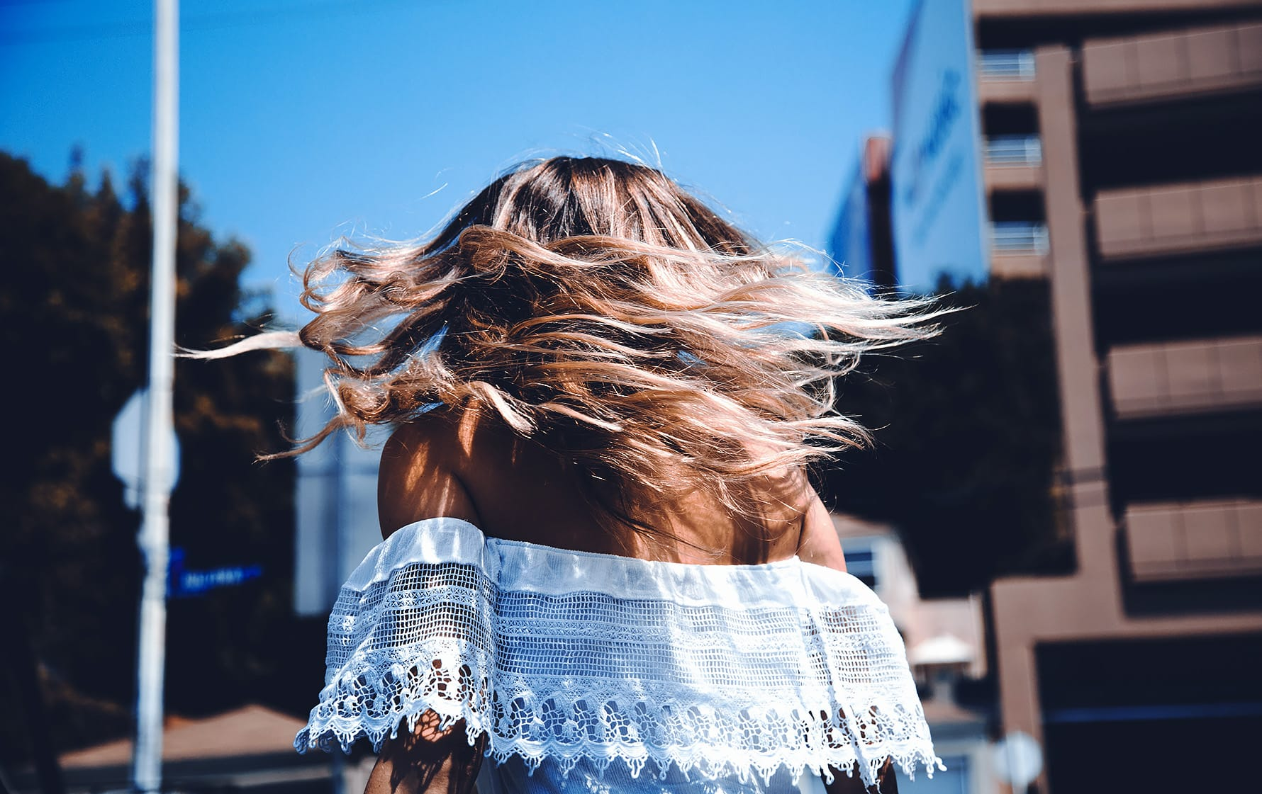 kemijski vplivi na lase